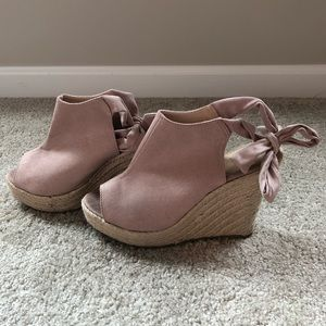 Suede blush wedges with bow ankle tie size 9